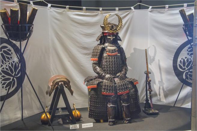 関ヶ原や大坂の陣で家康が身につけたといわれる鎧兜