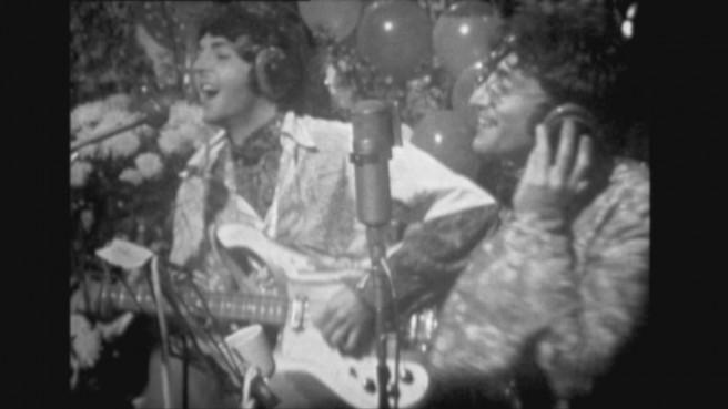 ポール・マッカートニー(左)、ジョン・レノン(右)