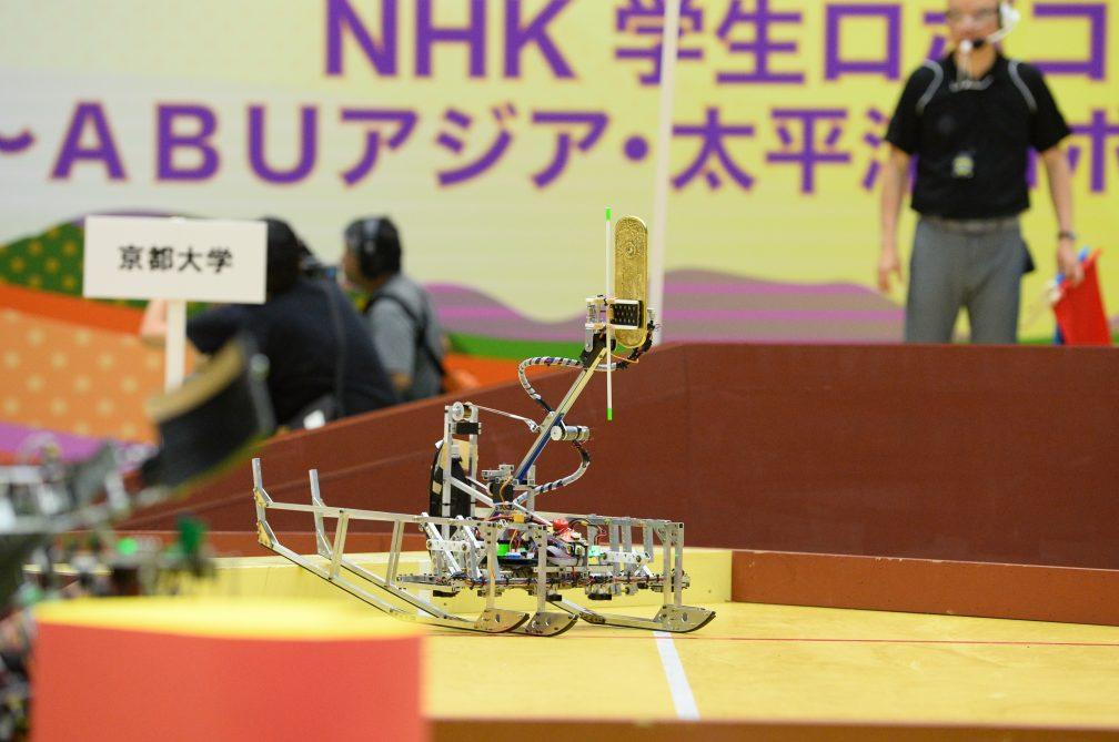 優勝した京都大学の4脚ロボット。無駄のないスマートな機構。